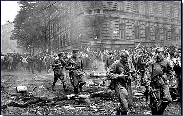 Soviet soldiers invade the streets of Prague, 1968