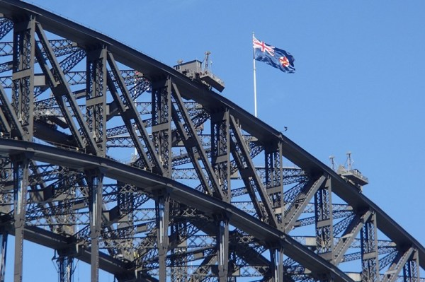 ...another great picture of the beautiful harbor bridge...