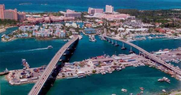 The two bridges that connect Paradise Island to New Providence Island.