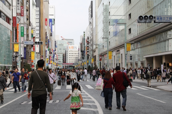 On weekends Ginza becomes a pedestrian only zone!